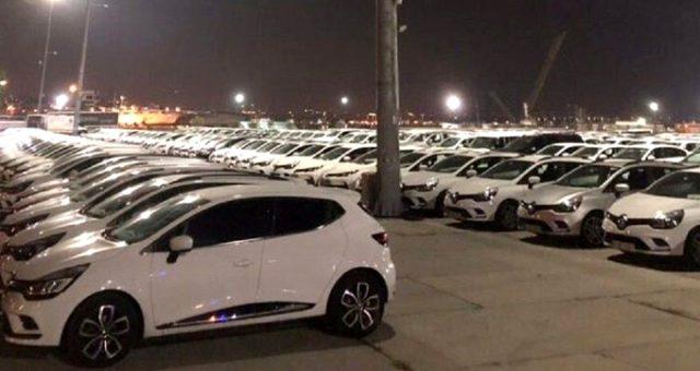 Yenikapı'da sergilenen araçlarla ilgili AK Parti'den ilk tepki: Makam araçlarını bulamayınca hizmet araçlarını getirmiş