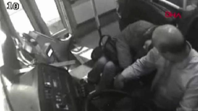 Samsun otobüs şoförü, fenalaşan yolcuyu hastaneye yetiştirdi