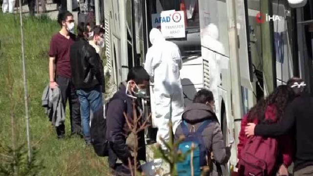 14 gün karantina altında kalan öğrenciler alkışlarla evlerine uğurlandı