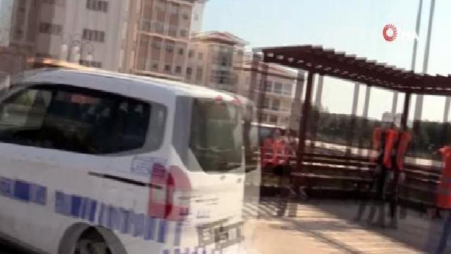 Atakum Belediyesi ücretsiz ekmek ve gazete dağıttı