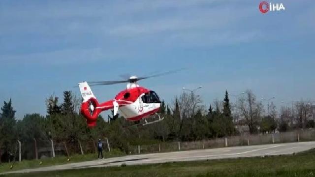 Mide kanaması geçiren yaşlı adım ambulans helikopter ile hastaneye yetiştirildi