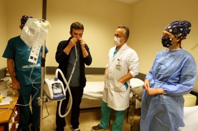 Çocukluk arkadaşlarından OMÜ Hastanesine yüksek akım oksijen cihazı bağışı