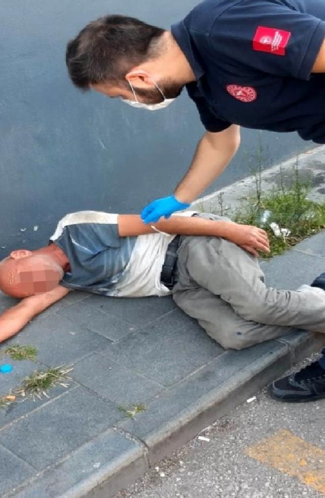 Alkollü şahıs kaçtığı hastaneye 5. kez götürüldü
