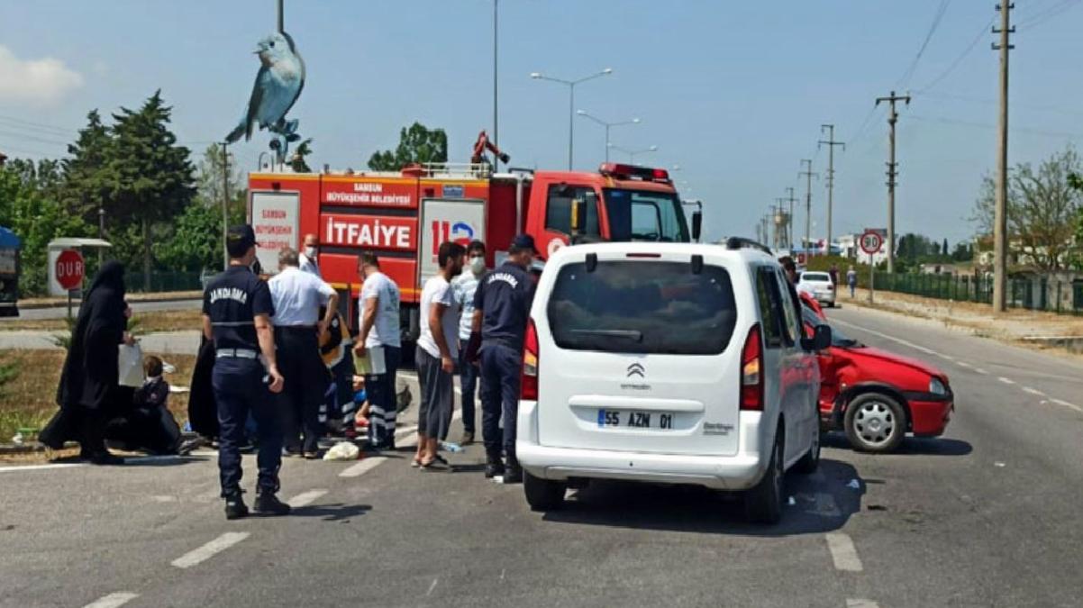 Samsun'da otomobil ile hafif ticari araç çarpıştı: 8 yaralı