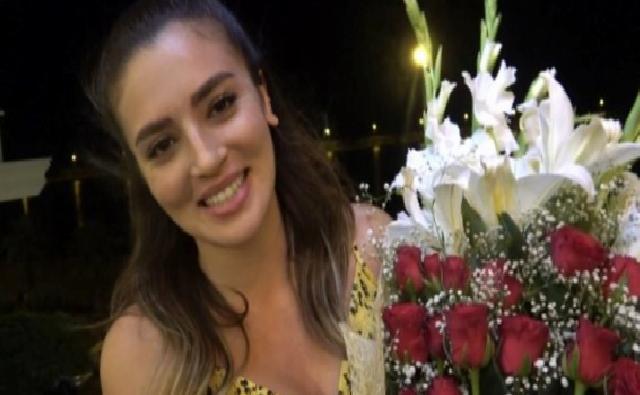 Son dakika haberi… Cem Belevi'den sevgilisine sette ilk gün çiçeği