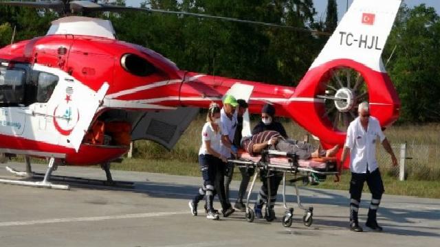 Son dakika haberleri… Kazada yaralanan şahsın ambulans helikopterle hastaneye sevk edildi