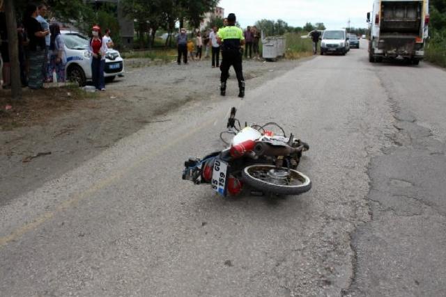 Son dakika haberleri | Motosiklet yayaya çarptı: 2 yaralı