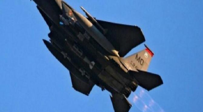 Son dakika… Havada panik: Amerikan F-15'i az kalsın yolcu uçağını düşürecekmiş