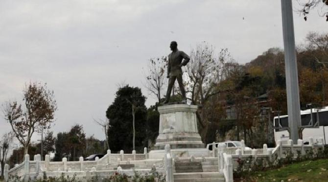 Türkiye'nin ilk Atatürk heykeli 'anıt eser' olarak tescillendi