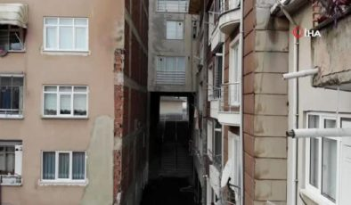 Fıkralara konu olacak apartman…Apartmanın altından sokak geçiyor