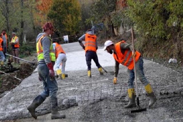 Kabaceviz Mahallesi'nde beton yol sevinci