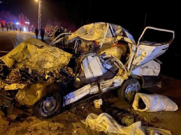 Son dakika haberleri: Freni boşalan vincin çarptığı otomobildeki anne ve oğlu öldü, 1 kişi yaralandı