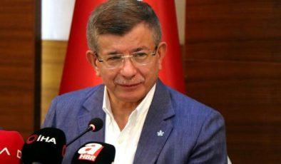 """Davutoğlu: """"Muhalefet ile çok yakın temaslarımız var"""""""
