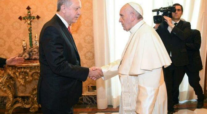 Erdoğan'dan Papa'ya 'geçmiş olsun' mesajı