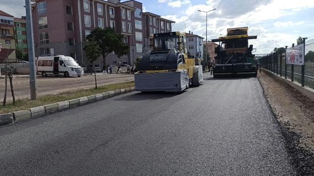 Yeşilyurt'ta asfaltlama çalışması başladı